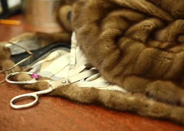 Подгон шубы, безрукавки и прочих меховых изделий по фигуре